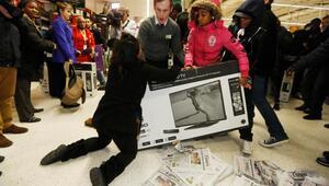 Kara Cuma (Black Friday) televizyon ve telefon satışlarını uçurdu