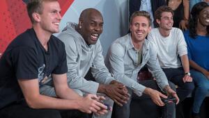 Arsenal'in yıldız Futbolcuları NBA 2K18 oynadı