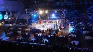 Bakan Arslan kick boks maçı izledi
