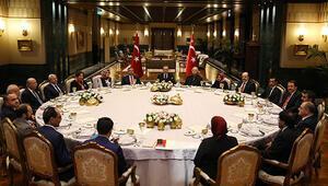 Erdoğan Beştepede öğretmenleri ağırladı, tek tek sordu
