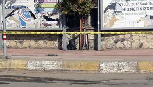 Ergani Jandarma Komutanlığının eski binası önündeşüpheli valiz paniği