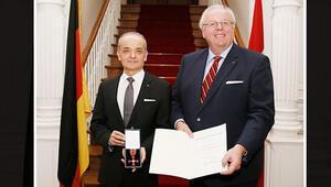 Türk yöneticiye Almanya'dan nişan