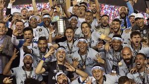 Kupa Libertadores Cristian Baronili Gremionun oldu