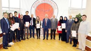 YÖK Yozgatlı başarılı öğrencileri ödüllendirdi