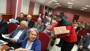Belediye meclis üyelerine solucan gübresi dağıtıldı