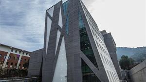 Vakıf üniversitesine 'en iyi eğitim binası' ödülü