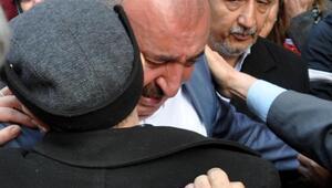 AK Partili Başkan, görevinden ve partisinden ağlayarak istifa etti