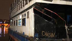 Gezi teknesine kumar baskını