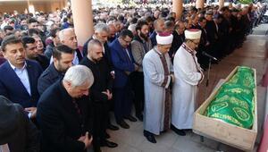 Kazada ölen Trabzonspor eski yöneticisinin oğlu toprağa verildi