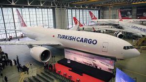 Turkish Cargonun ilk kargo uçağının teslimi kutlandı