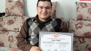 Engelli Hasan, uzaktan eğitimle bilgisayar mühendisi oldu