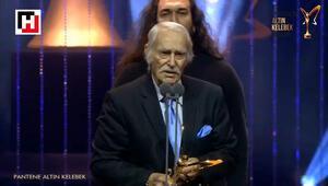 Eşref Kolçak Harun Kolçakın ödülünü teslim aldı | Pantene Altın Kelebek Ödül Töreni