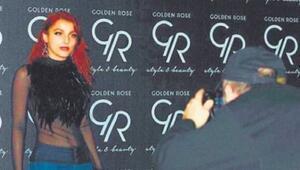 Genç modelden ünlü prodüktöre suçlama: Çıplak fotoğraflarımı istedi