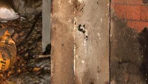Yanan samanlıkta direğe bağlanmış erkek cesedi bulundu/ Ek fotoğraf