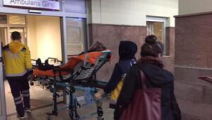 Çok sayıda öğrenci zehirlenme şüphesiyle hastaneye kaldırıldı
