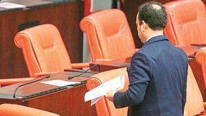 Meclisten çıkarıldı... Yeni İçtüzük ilk kez uygunladı