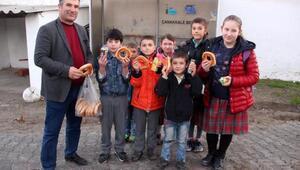Muhtar, kahvaltı edemeyen öğrencileri okula aç göndermiyor