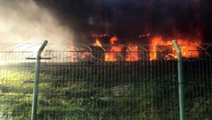 Otogarda yangın paniği Otobüs alev alev yandı