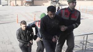Yunanistana kaçmak isteyen 9 PKK ve DHKP-C üyesi yakalandı (2)