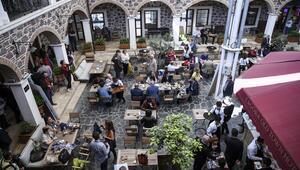 Başkan Aziz Kocaoğlu, İzmirin dünyada en hızlı büyüyen ikinci kent olduğunu açıkladı