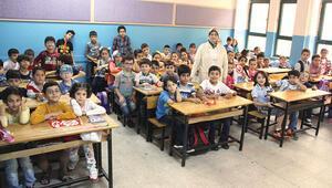 613 bin 142 Suriyeli öğrenci eğitim alıyor