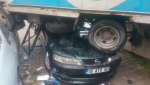 Bursada zincirleme kazada 3 öğrenci yaralandı