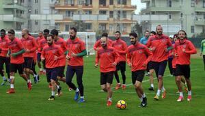 Aytemiz Alanyaspor İkinci Başkanı Köseoğlu: Hocamız takımımızın başındadır