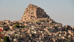 İki bin yıllık gökdelen: Uçhisar Kalesi