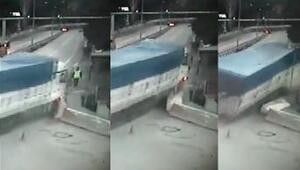 Kamyon, polis kontrol noktasına çarptı: 2si polis 3 yaralı (2)