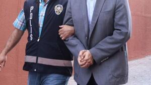 Soruşturmayı yapan polise FETÖ'den dava: Çatı delinmiş