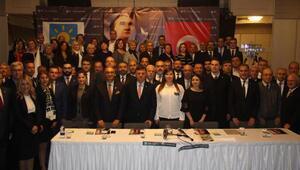 İYİ Parti İzmir'deki yönetimi tanıttı