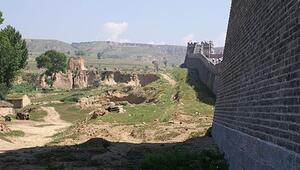 Çin'de 8 bin yıllık köy bulundu
