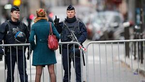 Fransa'da Noel'e 100 bin güvenlik görevlisi