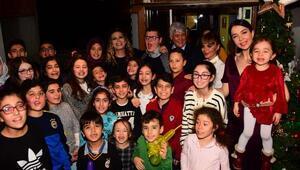Cerrahpaşada tedavi gören miniklere Selda Topaldan yeni yıl partisi