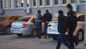 80 yaşındaki yaşlı adamı darp edip parasını alan 2 kişi tutuklandı