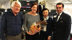 Türk Hava Yollarından Hollandalı çifte 50. evlilik yıl dönümü sürprizi