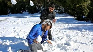 Batı Akdenizin zirvelerinde kar sevinci