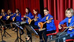 Yeni yıl öncesi türkü konseri