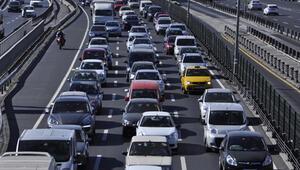 Gündeme oturan yazı: 2. el otomobil alacaklar dikkat Ek vergi sinyali...