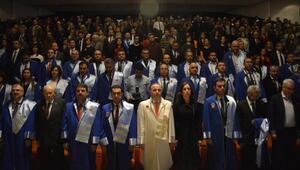 Akademisyenlerin gurur günü