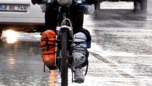 Bisikletle dünyayı gezen Japon tenis öğretmeni, Bodrumda
