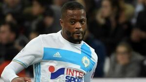 Patrice Evra Premier Lige geri döndü