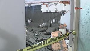 Beton pompasının döktüğü çimento evin duvarını yıktı