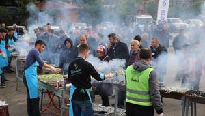 Rizedeki festivalde, 2,5 ton hamsi, 2 saatte tükendi
