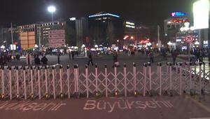 Ankarada Kızılay Meydanı trafiğe kapatıldı