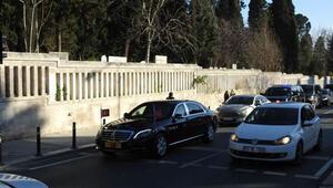 Cumhurbaşkanı Erdoğan yeni yılın ilk günü anne ve babasının mezarlarını ziyaret etti