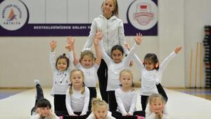 Geleceğin jimnastikçileri Muratpaşada
