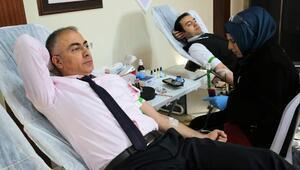 Özel İdare personelinden kan bağışı