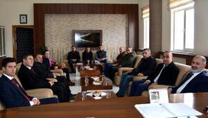 Milletvekili Kavaklıoğlu Kaymakam Güzel'i ziyaret etti