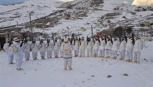 Komandolar, Karadeniz yaylalarında eksi 7 derecede terörist arıyor